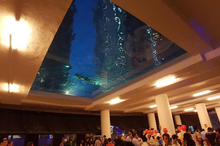 悬空/透明/无边/玻璃亚克力游泳池厂家