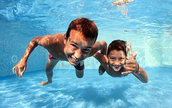 健康游泳,谈谈泳池水质ORP的重要性,瑞地格乐亚克力游泳池