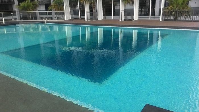 马来西亚吉隆坡凌云阁空中泳池480万建成二