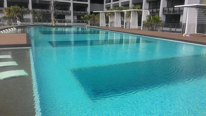 马来西亚吉隆坡凌云阁空中泳池480万建成三