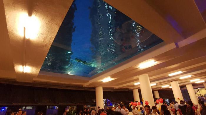 马来西亚吉隆坡凌云阁空中泳池480万使用一