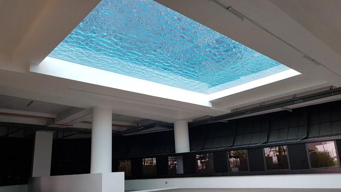 马来西亚吉隆坡凌云阁空中泳池480万建成四