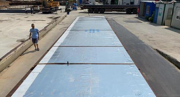 瑞地格乐亚克力透明游泳池工程施工流程