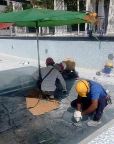瑞地格乐亚克力透明游泳池安装,瑞地格乐亚克力游泳池