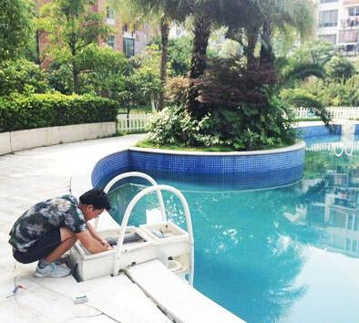泳池的保养规范,瑞地格乐亚克力游泳池
